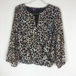 Vince Camuto Size XS Leopard Print Blouse F23
